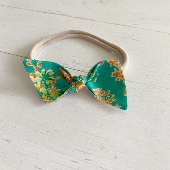 Bitsy knot bow {Hannah} nylon headbands, baby hair bows
