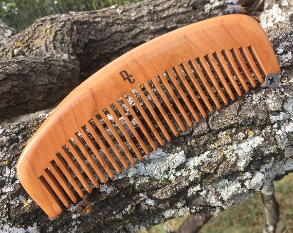 """SANDALWOOD Arched HAIR COMB Handmade 6.5"""" Curved Hand Green Sandalwood Medium Wide Tooth Wet Dry Hair Comb Dixie Cowboy v54"""