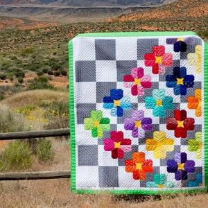Modern Drunkards Path Flower PDF Quilt Pattern Windswept
