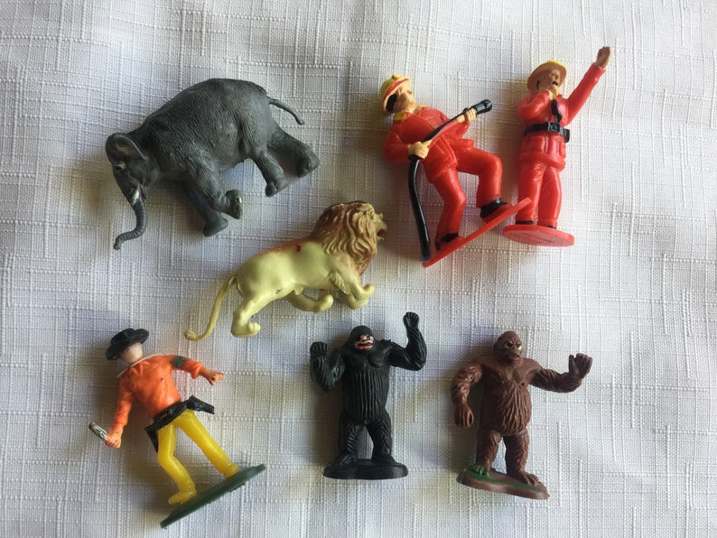 Mini Gorilla Cowboy Doll,Miniature Gorilla Firefighter Tiny Cowboy,Mini Animal,Miniature Lion Miniature Elephant Mini Cowboy Mini Lion