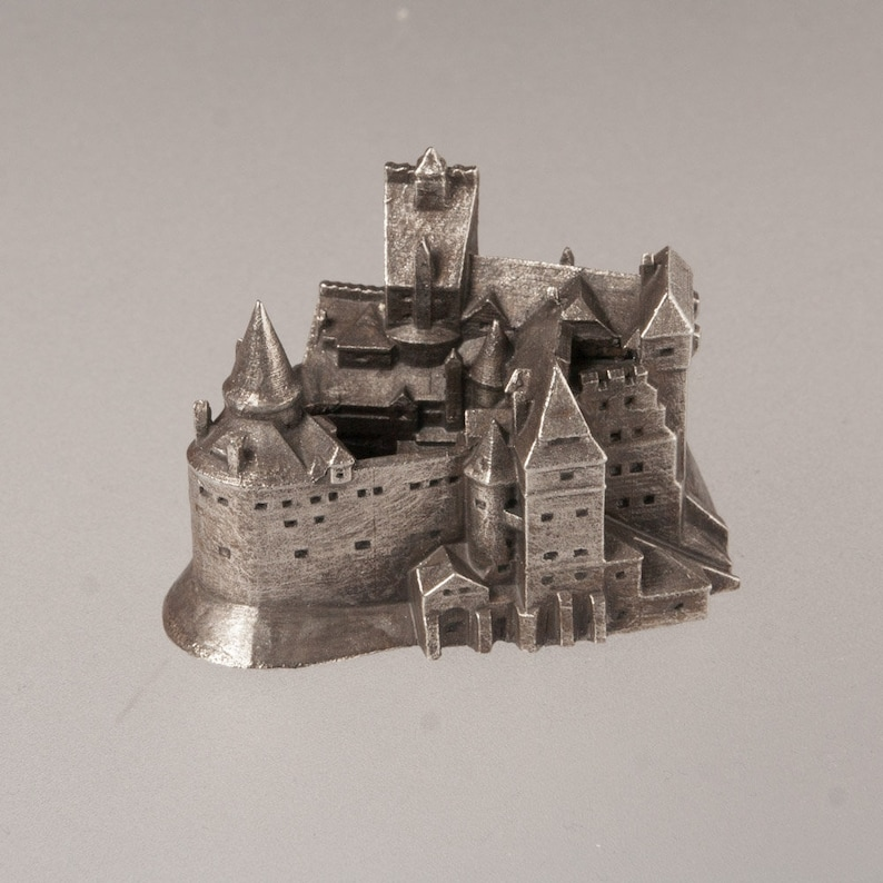 Bran castle historical architecture scale model 1:1000  image 0