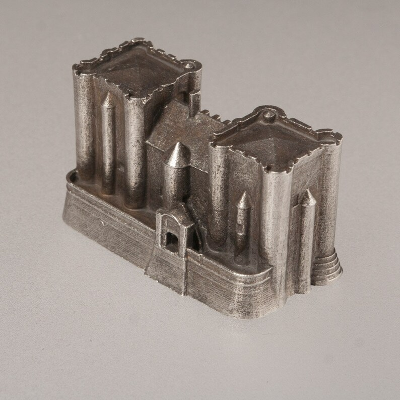 Donjon de Niort castle historical architecture scale model image 0
