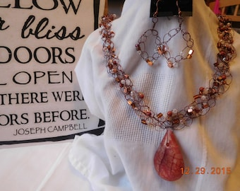 Delicate Copper Tear Drop Wire Crochet Necklace