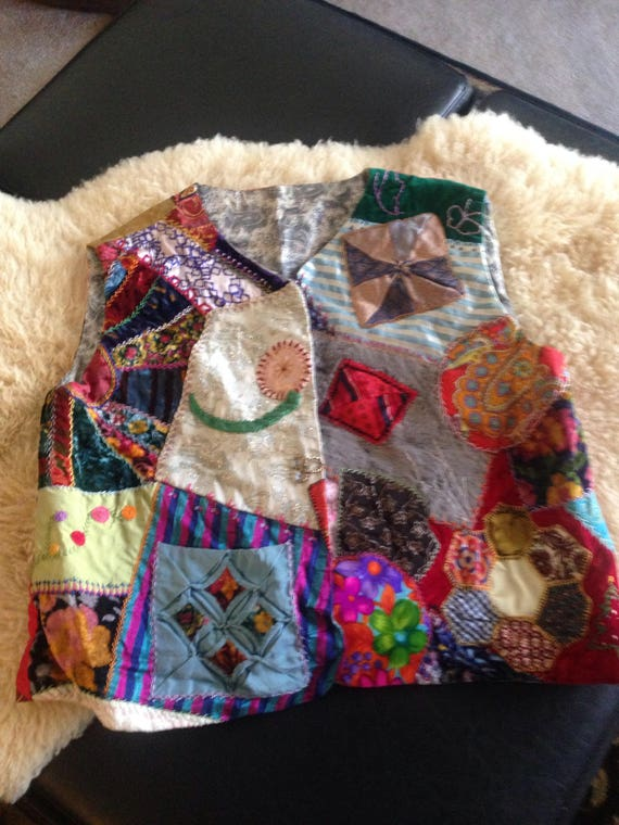 AMAZING ANTIQUe CRAZY QUILT VESt SX25S