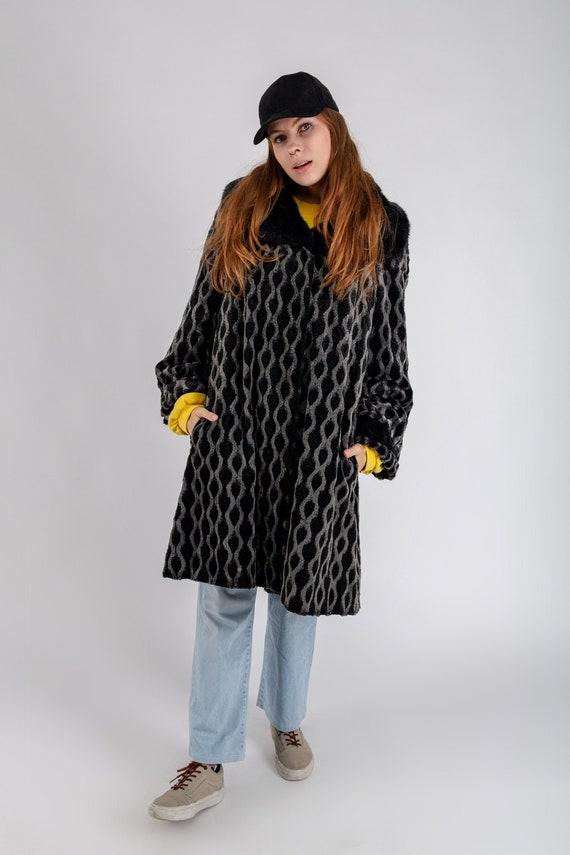 Women's vintage faux fur printed coat, Oversized b