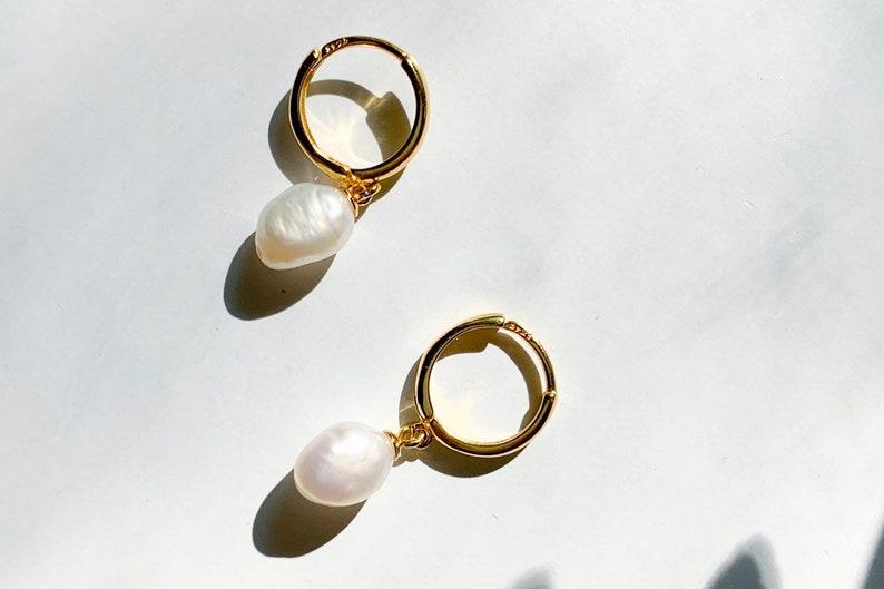Pearl Hoop Earrings Simple pearl earrings Pearl Hoops Mini Hoop Earrings Gold pearl earrings Silver Pearl Hoop Earrings