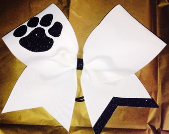 Single color and one mascot bow