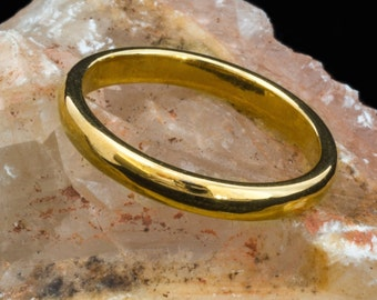 English Gold and 18ct EcoGold D-shaped Wedding Ring