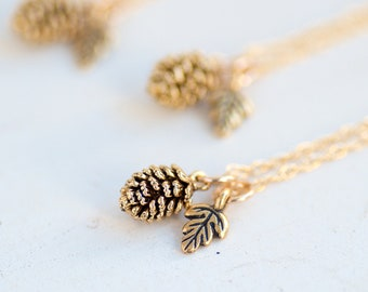 Pinecone Necklace, Botanical, Gift for Her,Botanical Jewelry,Gift for Mom,Nature,Woodland,Graduation Gift,Leaf Necklace,Tree Necklace