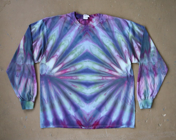 Tie Dye Shirt   Extra Large Long Sleeved
