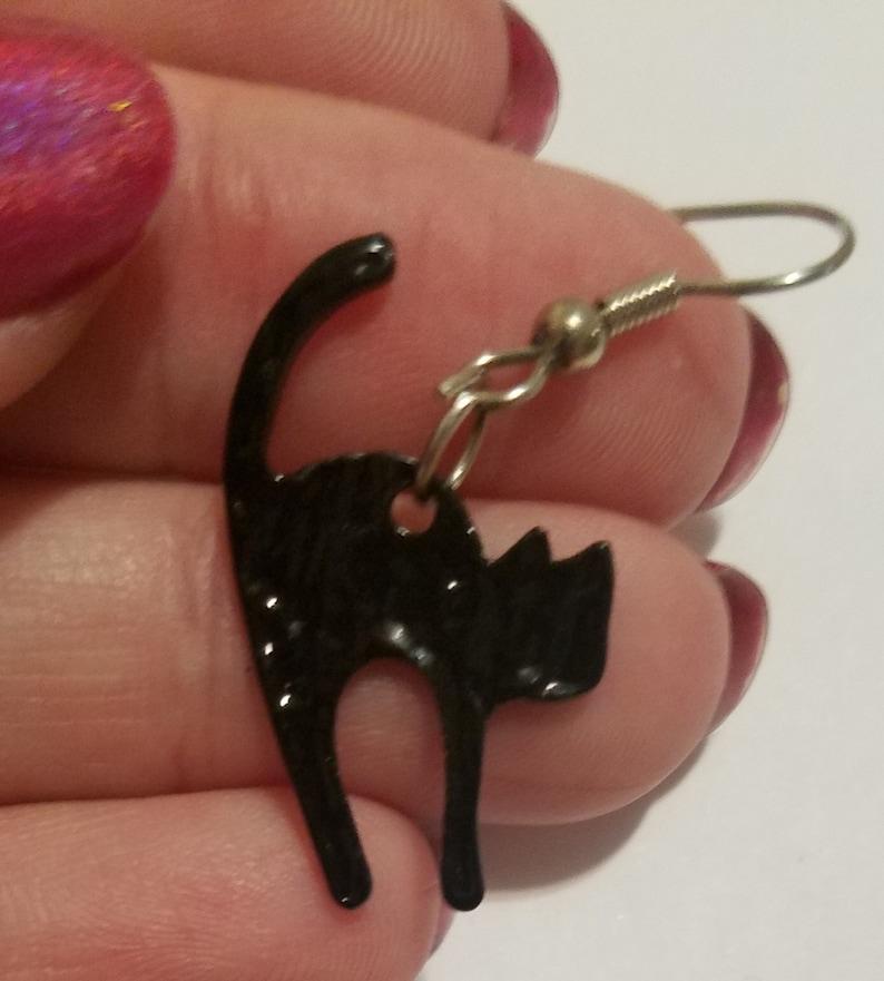 Black Scaredy Cat Silhouette Earrings Hypoallergenic