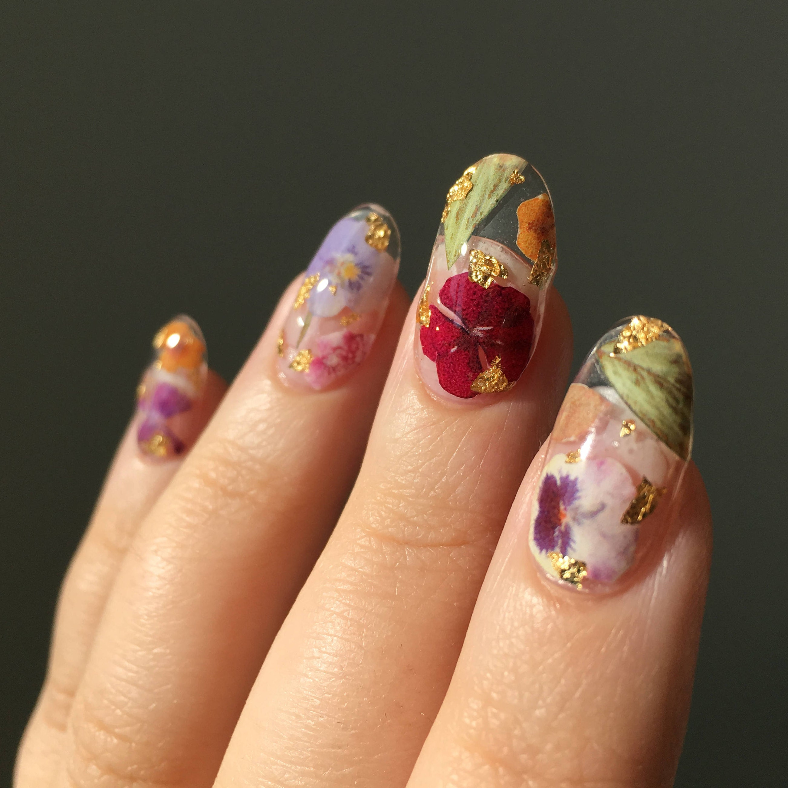 Reusable Pressed Dried Flowers Press On Nails Clear Base Gold Flake