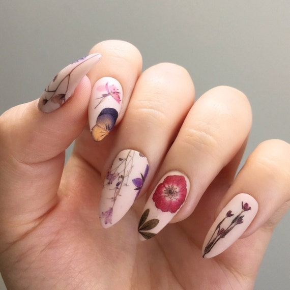 Floral Nail Art: Pressed Dried Flowers Design Water Slide Nail Decals/Nail