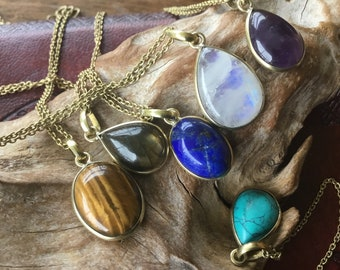 boho style. lithotherapy POINTE CRISTAL of ROCHE natural stone pendant