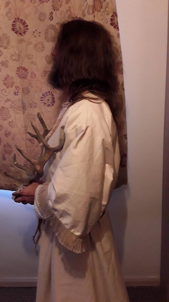 Robe de druide avec cape coton; à capuche coton; cape en coton sur la robe, d'une longueur totale sous la robe et pochette en objets de valeur. Tenue de magicien. Mage idéal ou clerc. 44f835
