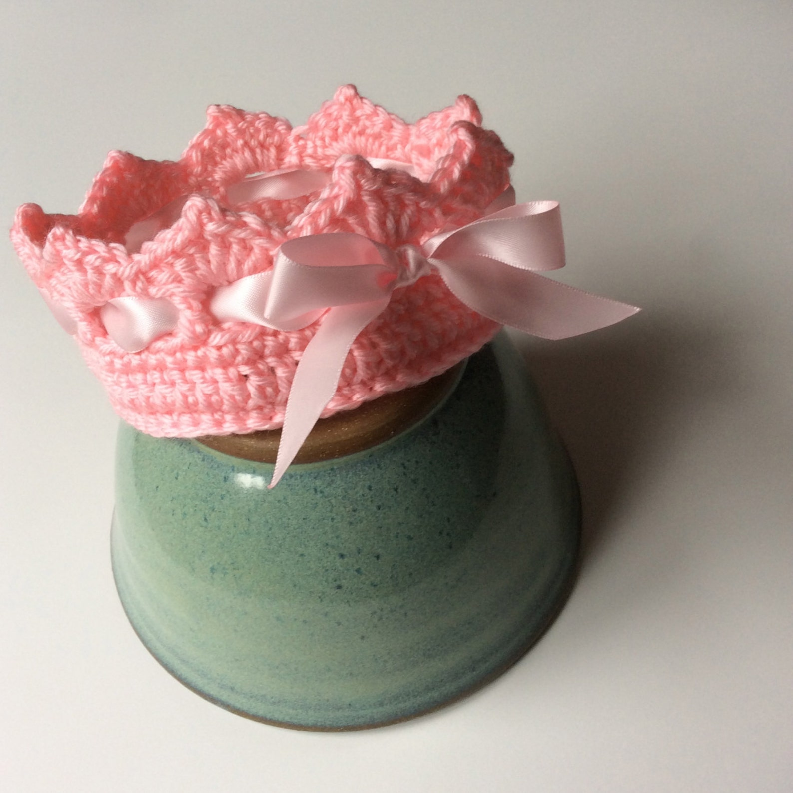 pointe shoe baby booties and crown set, crochet ballet slippers and crown for newborn