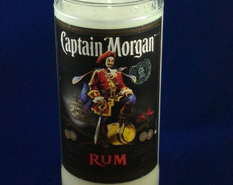 Upcycled famous brand used Jamaican rum bottle crafted into a fabulous candle. Lovely gift/present