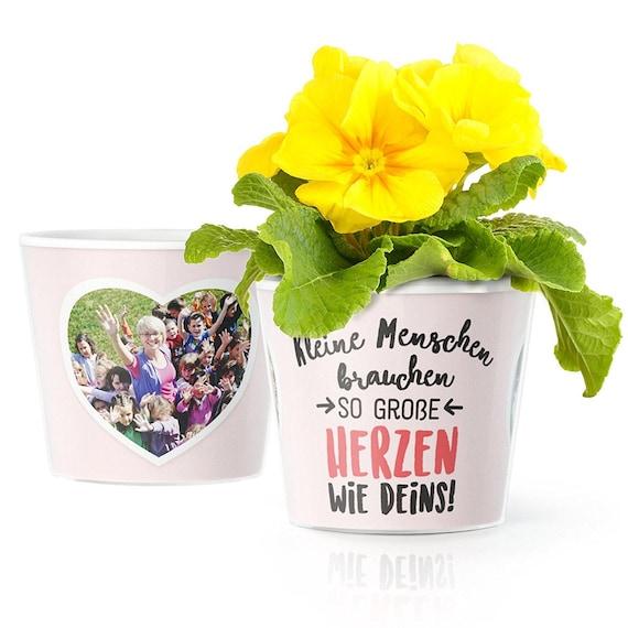 Geschenk Zum Danke Sagen Im Kindergarten Blumentopf ø16cm Mit Rahmen Für 2 Fotos Kleine Menschen Brauchen So Große Herzen Wie Deins