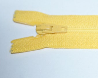 "Top Quality 8"" ( 20 cm)  Closed End Nylon Zips - Yellow"