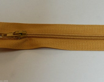 "Top Quality 8"" ( 20 cm)  Closed End Nylon Zips - Gold"