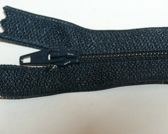 "Top Quality 8"" (20 cm)  Closed End Nylon Zips - Navy"