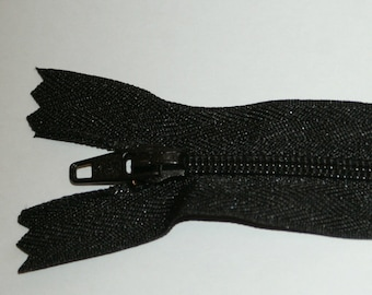 "Top Quality 8"" ( 20 cm)  Closed End Nylon Zips - Black"