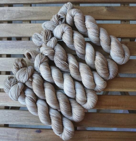 Teint à la main fil | Base de de Base chaussette Merino et Nylon | 100g de poids doigté | Sciure de bois 03f4e9