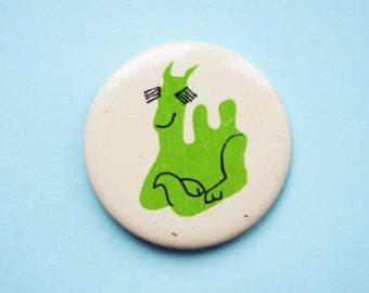 Vintage 4 cm (1.57'') cartoon camel desert animal kids childrens brooch badge pin pinback button token clasp pinion tin metal