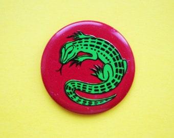 Vintage 4 cm (1.57'') fairytale animal reptile lizard russian ussr kids brooch badge pin pinback button token clasp pinion tin metal