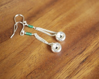 Sterling silver chain and donut disk bead earrings with green onyx accents