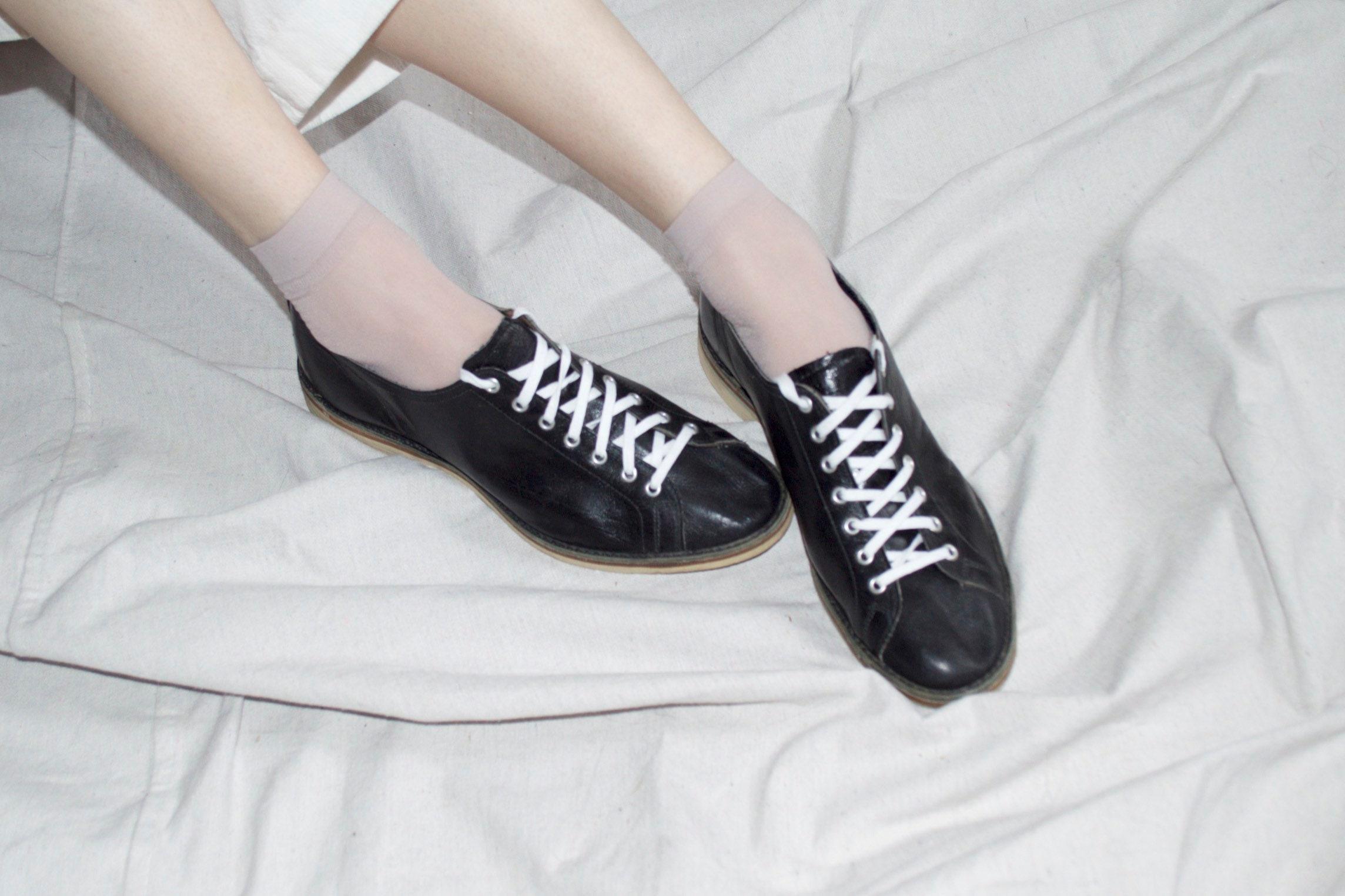 vintage tennis shoes, 1930's black leather tennis shoes vintage shoes athletic shoes, oxford tennis shoes vintage || sz US 9 narrow 43a294