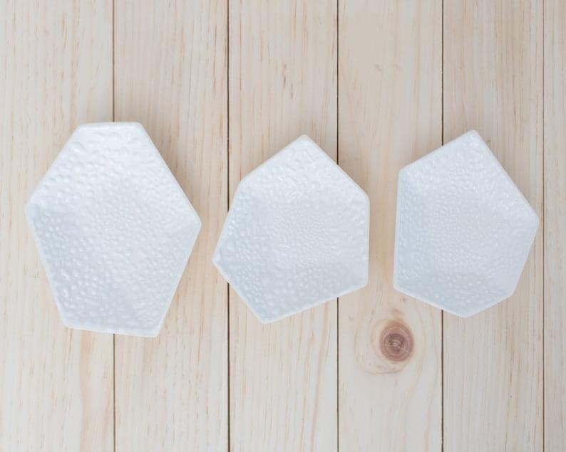 Large Geometric Ring Dish set of 3 in Textured White Crawl. image 0