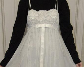 60's Henson Kickernick White Nightgown & Peignoir Set Size 34 Lace Chiffon Nylon Spaghetti Straps