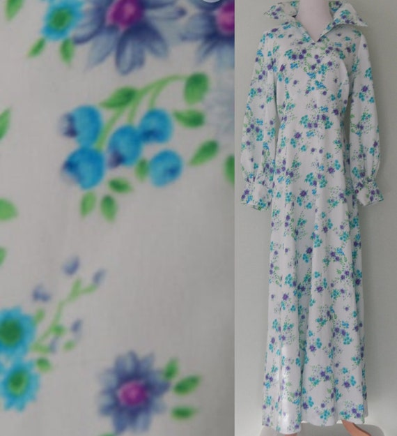 Vintage/1970's/ Floral /Collared/ Maxi Dress/ Size