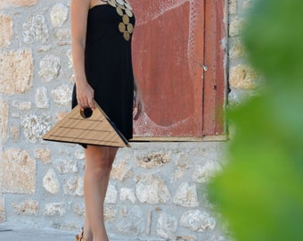 handmade wooden bag, awarded design, triangle wooden purse, geometric, fashion accessories, minimal, selected by TOP DESIGN 2016