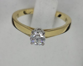 Gorgeous 18kt Yellow Solid Gold Natural Diamond Ladies Solitaire Ring Engagement