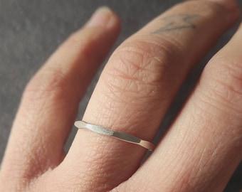 Anillo plata 925ml, hecho a mano. Anillo aplicable.