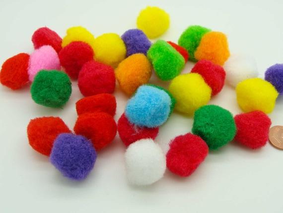 100 pompons ronds 22mm peluches polyester loisirs créatifs Mix couleurs DIY