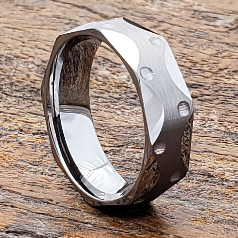Men/'s Engagement Band Unique Wedding Band Unique Ring Faceted Ring Mens Wedding Band Tungsten Wedding Band Engagement Gift
