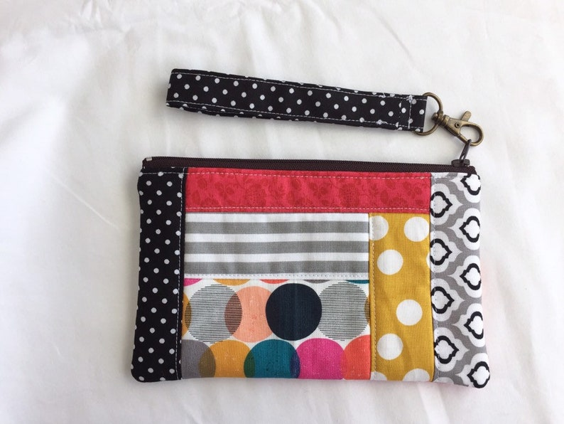 Quilted Pouch with Detachable Strap Polka Dots Zipper Pouch Wristlet Gift for her Patchwork Pouch