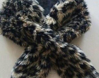 Collar crosses vintage leopard