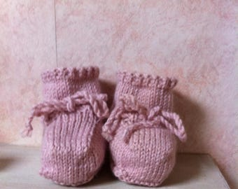 Pink lilac wool baby booties