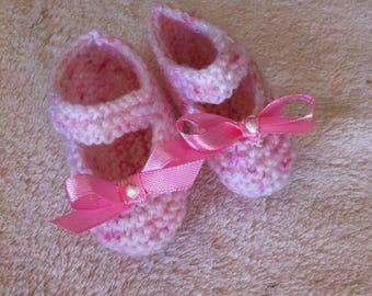 baby girl pink ballerina slippers garter stitch