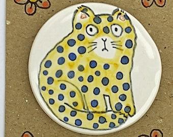 Ceramic spotty cat fridge magnet