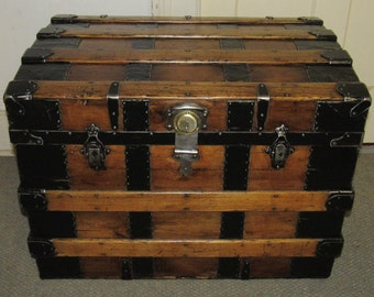 Nice Large Antique Old Fashioned Blue Cabin Trunk Antiques Edwardian (1901-1910)
