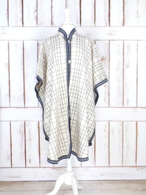 Vintage ivory/grey/black plaid wool poncho/wool b… - image 1