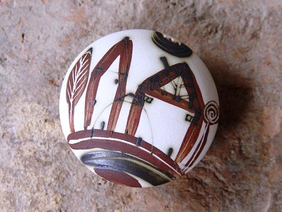 Stoneware Salt Shaker. Ceramic Pepper Shaker, Unique Salt Celler, Handmade salt box, Cute Handmade Pottery Gift, Ceramics and Pottery