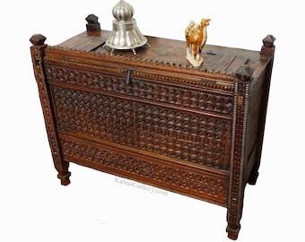antique 19th century orient vintage cedar wood treasure Dowry Chest from Nuristan Afghanistan No:ULM5