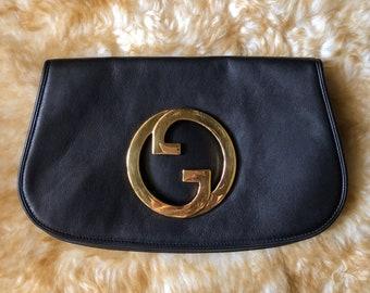 b9c28a6943b Vintage Gucci GG Logo Clutch