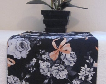 Black, Grey and Coral Runner - Floral table runner - Reversible table runner -Long and narrow runner - Black, Grey & Salmon runner